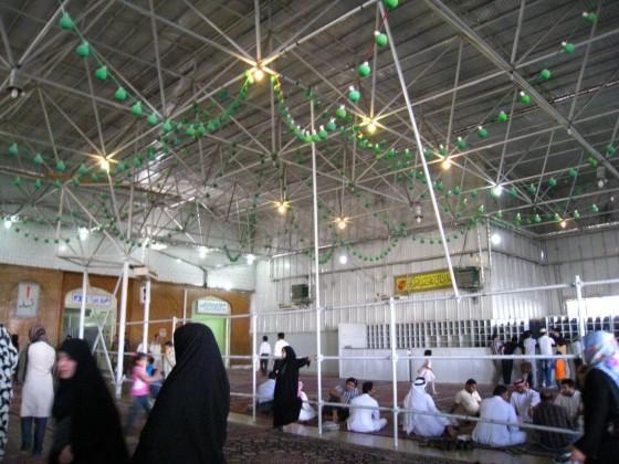 ضريح مفجر الثورة الإسلآمية الإيرآنية  Chomeini_mausoleum_2008_innenbereich_bildergalerie01