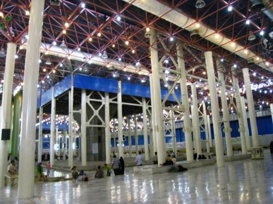 ضريح مفجر الثورة الإسلآمية الإيرآنية  Chomeini_mausoleum_2008_innenbereich_bildergalerie03