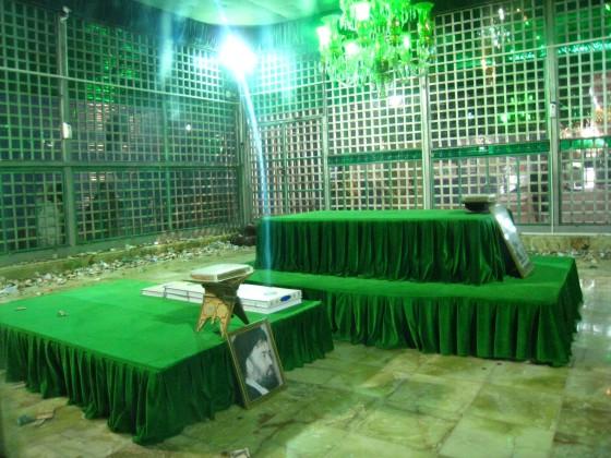 ضريح مفجر الثورة الإسلآمية الإيرآنية  Chomeini_mausoleum_2008_innenbereich_bildergalerie06