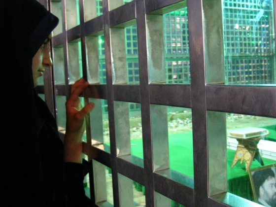 ضريح مفجر الثورة الإسلآمية الإيرآنية  Chomeini_mausoleum_2008_innenbereich_bildergalerie07