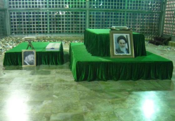 ضريح مفجر الثورة الإسلآمية الإيرآنية  Chomeini_mausoleum_2008_innenbereich_bildergalerie08