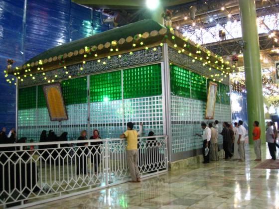 ضريح مفجر الثورة الإسلآمية الإيرآنية  Chomeini_mausoleum_2008_innenbereich_bildergalerie15
